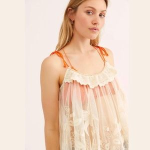 ✨HP✨ Free People Pop To It Embroidered Lace Tank